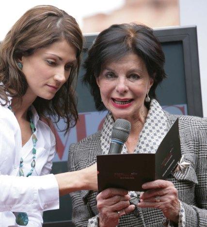 Lina Marulanda (Presentadora) y Mercedes Baquero de De Francisco (Jurado) - Premios Cromos de la Moda 2009